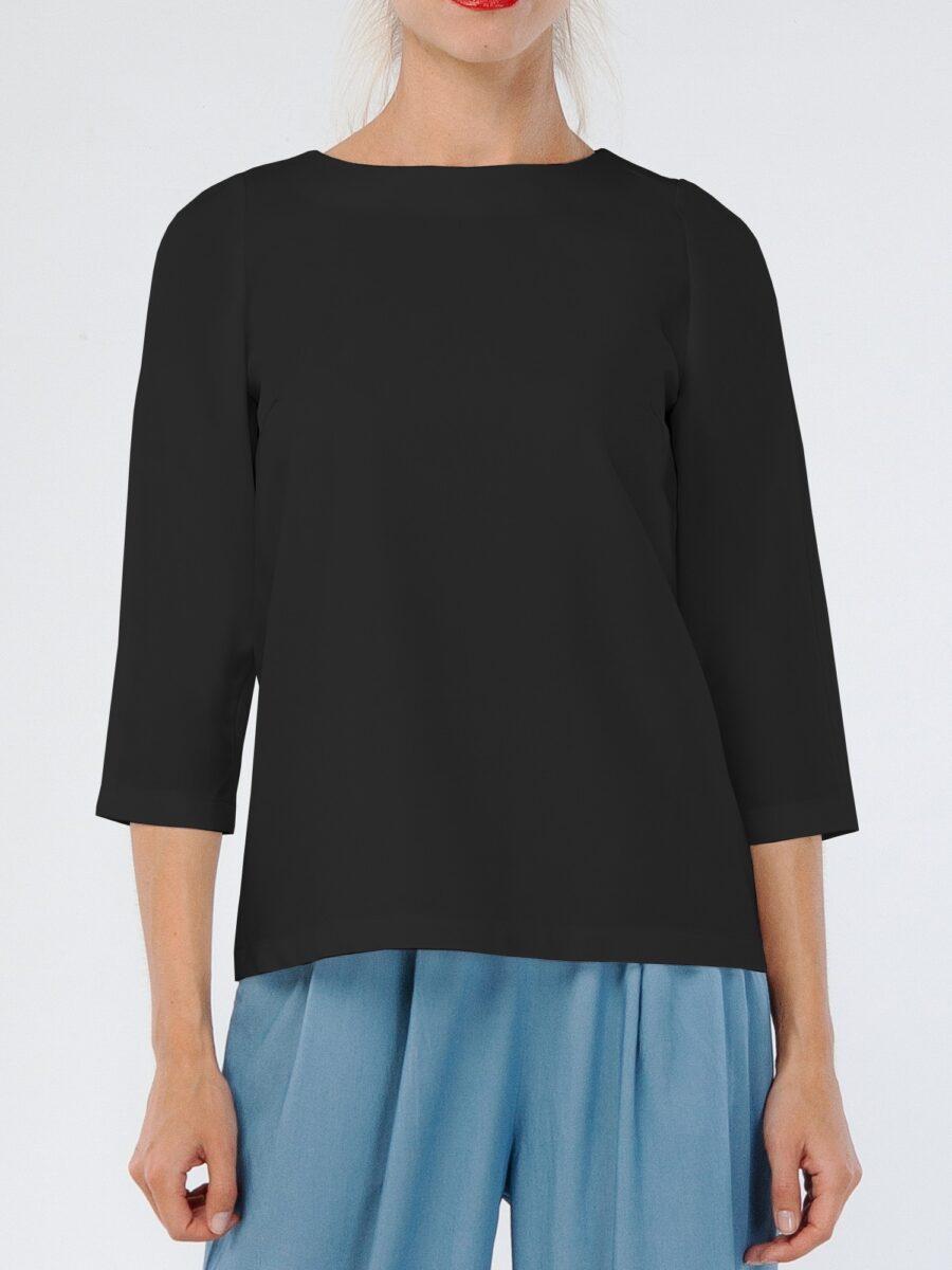 Черная блузка с вырезом