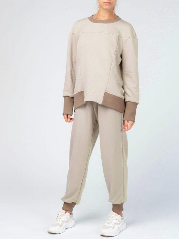 Бежевый женский спортивный костюм